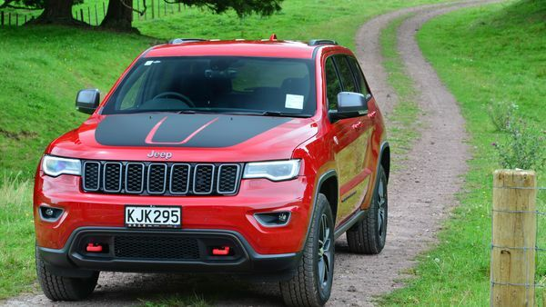 Large 4WD of the year 2017: Jeep Grand Cherokee Trailhawk