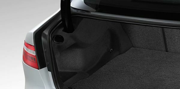 jaguar xe sedan powered gesture boot lid