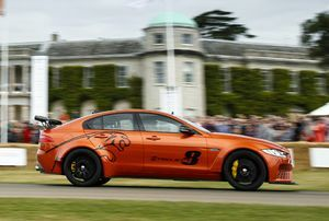 JAGUAR XE SV PROJECT 8 WINS 'SHOWSTOPPER' AWARD  AT 2017 GOODWOOD FESTIVAL OF SPEED.