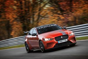 ​JAGUAR XE SV PROJECT 8 IS THE WORLD'S FASTEST FOUR-DOOR CAR, WITH RECORD NÜRBURGRING NORDSCHLEIFE LAP