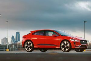 Jaguar I-Pace named Best Reader Award by WhatCar? Car Awards 2018