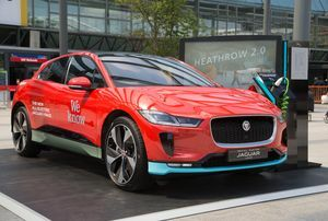 JAGUAR I-PACE IS THE STAR OF HEATHROW'S NEW ZERO-EMISSIONS LUXURY CHAUFFEUR SERVICE