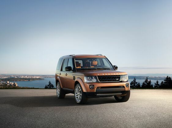Land Rover Discovery Appeal Broadens with Launch of Two Special Editions