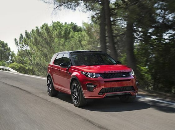 FIVE DISCREET TECHNOLOGIES IN THE LAND ROVER DISCOVERY SPORT THAT ENHANCE CONVENIENCE AND COMFORT