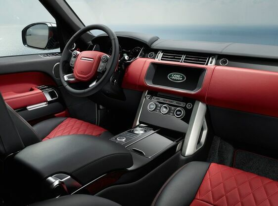 ELEVATED PERFORMANCE AND DESIRABILITY IN THE RANGE ROVER SV AUTOBIOGRAPHY DYNAMIC