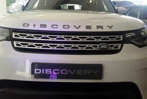 Revolutionary design. Ingenious versatility. And unrivalled Land Rover capability. All-New Discovery is here.