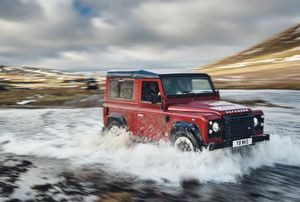DEFENDER LIVES ON: LAND ROVER LAUNCHES THE V8 EDITION TO CELEBRATE 70TH ANNIVERSARY