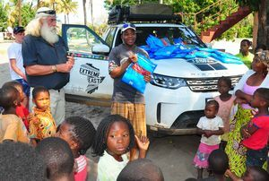 LAND ROVER DISCOVERY VEHICLES TO EMBARK ON ANOTHER WORLD-FIRST KINGSLEY HOLGATE FOUNDATION EXPEDITION – CAPE TOWN TO KATHMANDU.